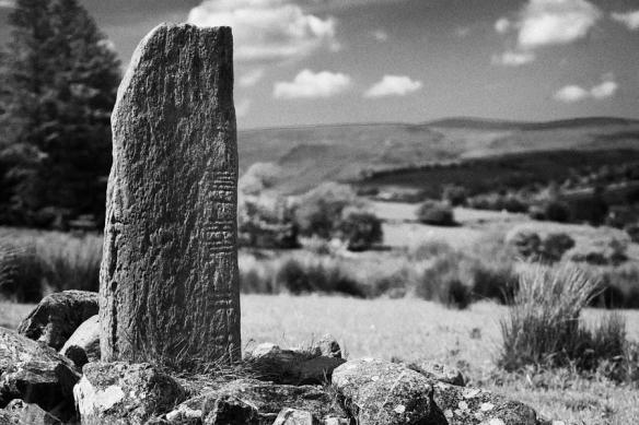 2-aghascrebagh-ogham-stone-county-tyrone-northern-ireland-joe-fox